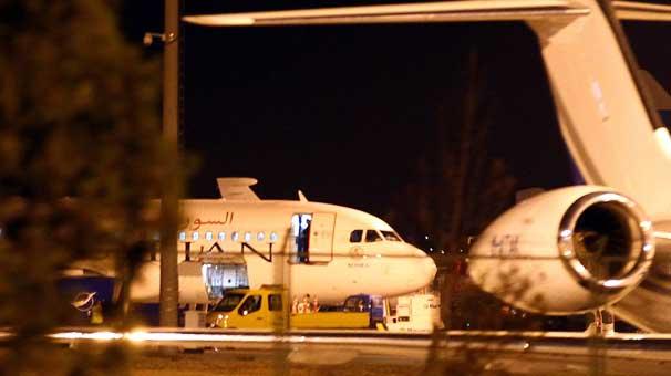 Türkiye Suriye üzerindeki sivil hava uçuşlarını durdurdu