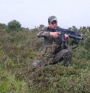 Üç yıl içinde profesyonel asker sayısı üçte bir oranında azaldı...