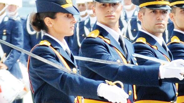 Kadın asker tartışması: 30 bin imza toplandı